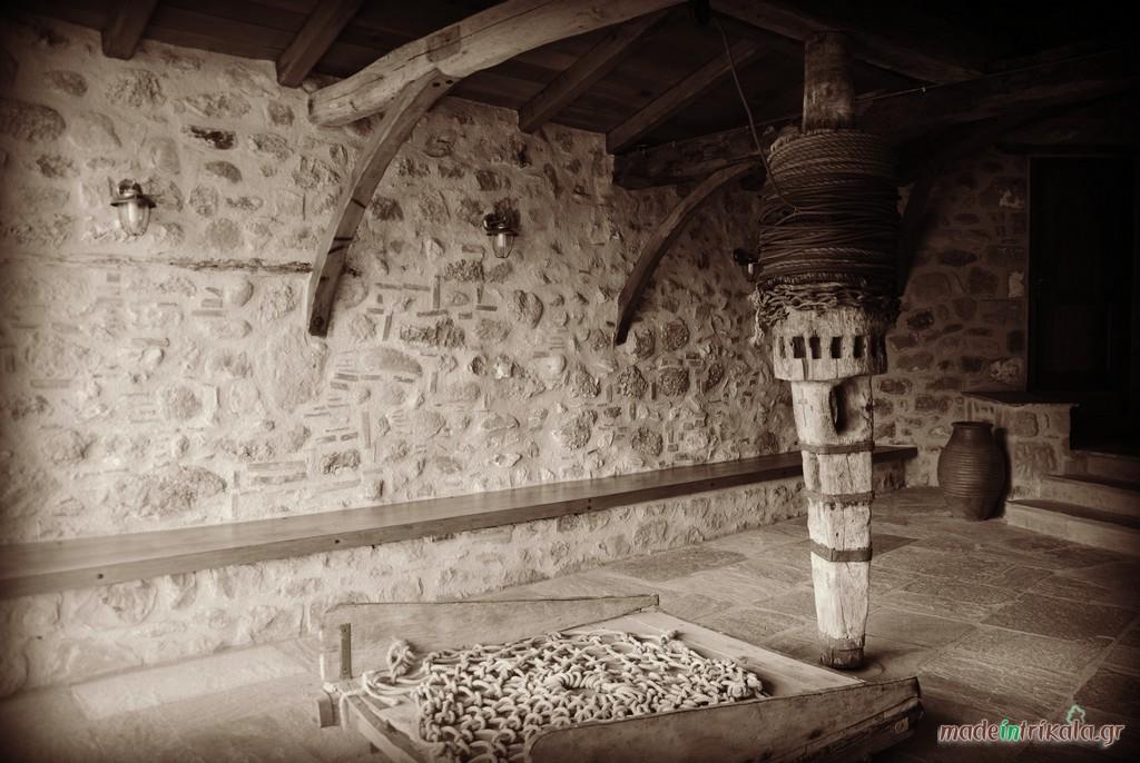 Χειροκίνητο βαρούλκο στη Μονή Αγίας Τριάδας Μετεώρων