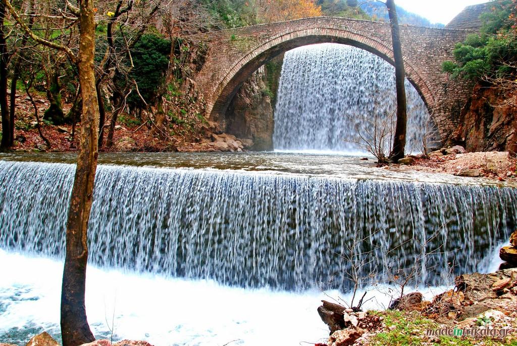 Γέφυρα και καταρράκτες Παλαιοκαρυάς