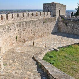 κάστρο Τρίκαλα, τα τείχη στο τρίτο διάζωμα