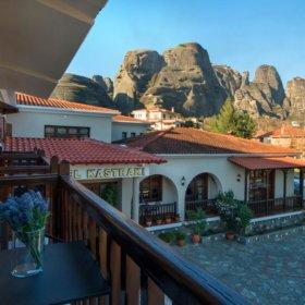 ξενοδοχείο Καστράκι Καλαμπάκα, η θέα στα Μετέωρα