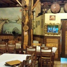Ταβέρνα Παλιά Ιστορία Τρίκαλα, εσωτερικό