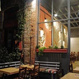 Solo Πίτσα Τρίκαλα, εξωτερικό