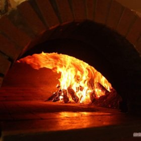 πίτσα σε ξυλόφουρνο Da Vinci, Trikala