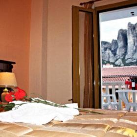 Ξενοδοχείο Φαμίση Κώστα, δωμάτιο με θέα τα Μετέωρα