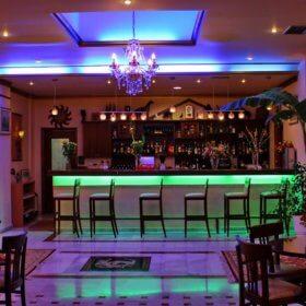 Xenodoxeio Kosta Famissi, bar