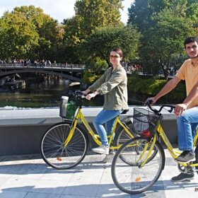 Τρίκαλα ποδήλατα, zevgari podilaton sti gefyra tou Asclepiou sta Trikala
