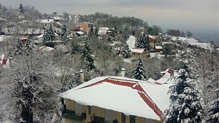 Κόρη Τρικάλων χιονισμένη