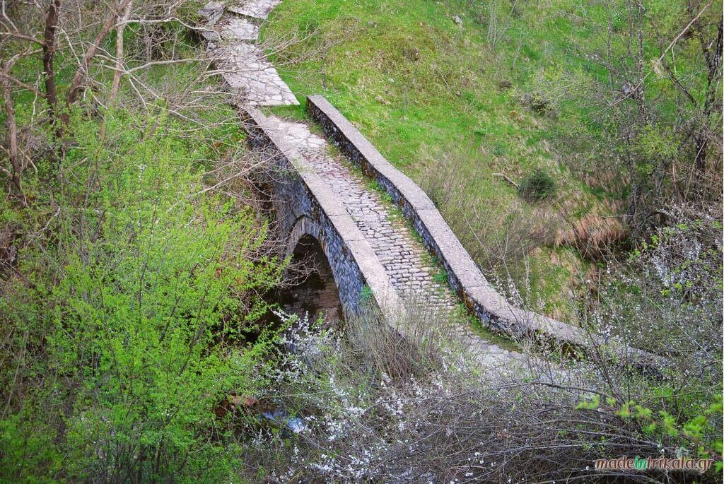 Πέτρινο γεφύρι Χαλικίου