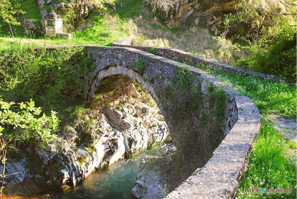 Το Γεφύρι της Καπραρίας στο Χαλίκι Ασπροποτάμου