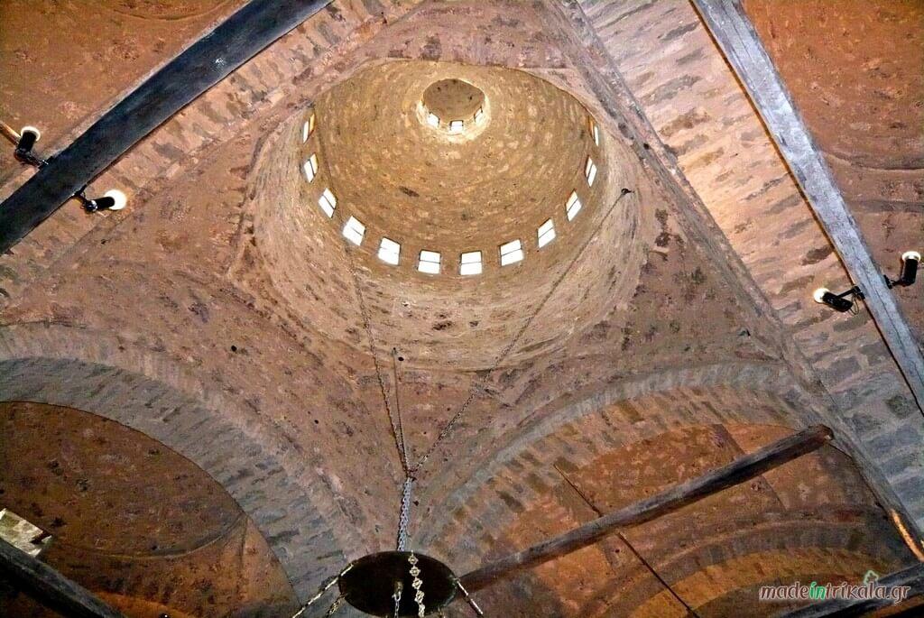 Ναός Τιμίου Σταυρού στο Ασπροπόταμο, το εσωτερικό του