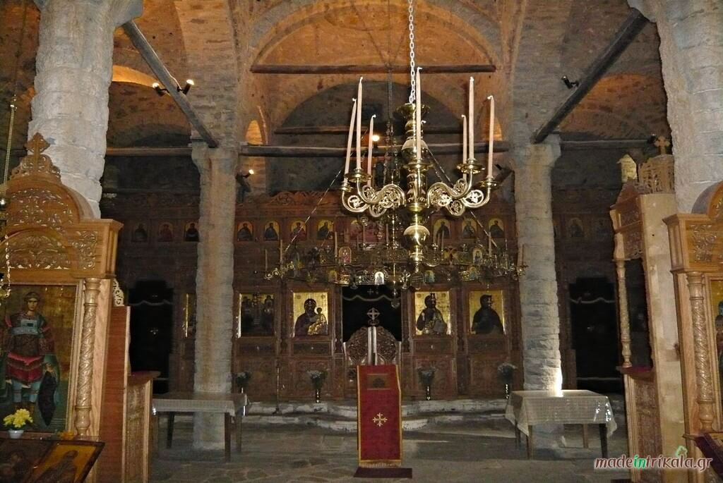 Το τέμπλο της Μονής Δολιανών στον Ασπροπόταμο